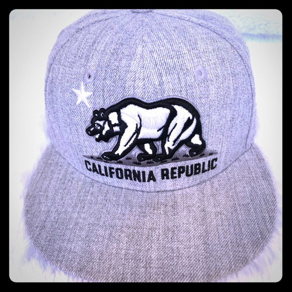 Other - California Republic Snap-Back Flat-Bill Hat - Grey